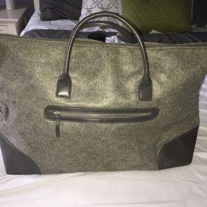 NWOT DSW Weekender Tote Gray Luggage